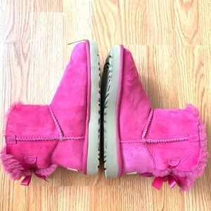 UGG Mini Bailey Bow Pink Azalea Boot- Size 5 (EUC)